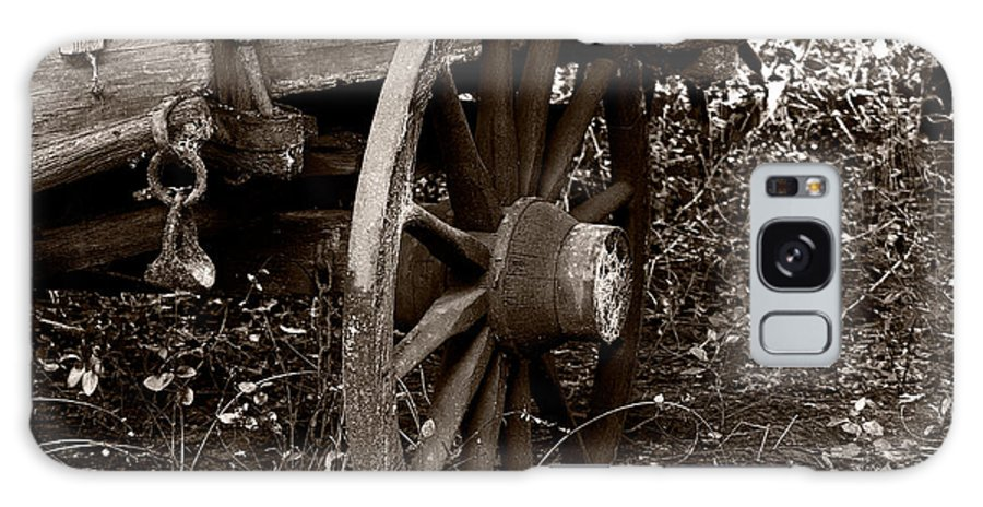 Wheel Galaxy S8 Case featuring the photograph Old Wagon Wheel by Christopher Holmes