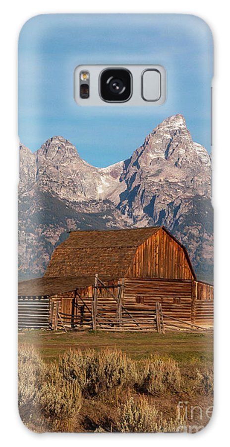 Jackson Hole Galaxy S8 Case featuring the photograph Old Wood Barn by Bob Phillips