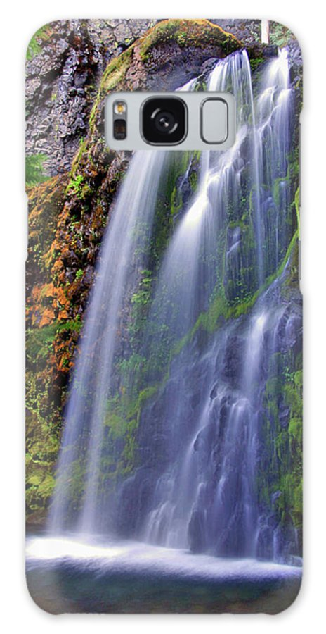 Waterfalls Galaxy S8 Case featuring the photograph Oregon Falls by Scott Mahon