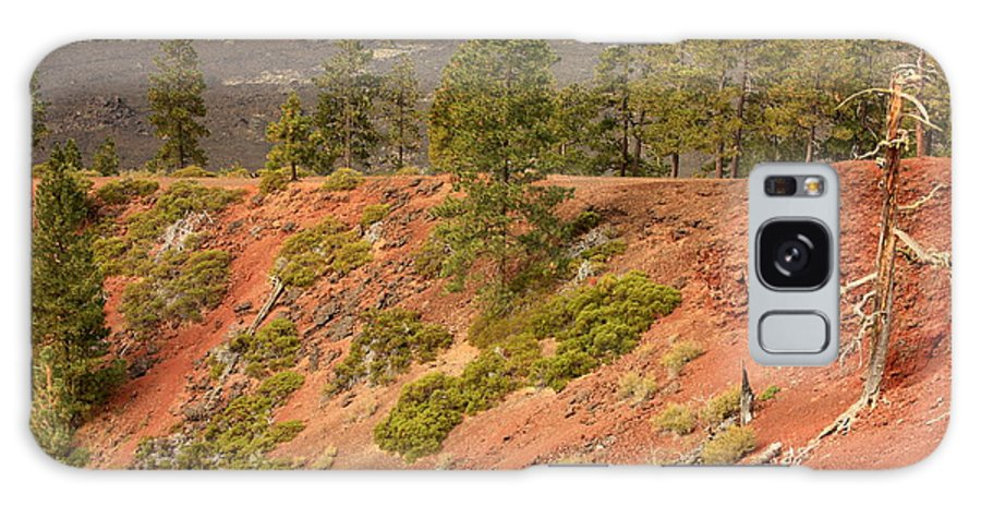 Oregon Landscape Galaxy S8 Case featuring the photograph Oregon Landscape - Red Crater by Carol Groenen
