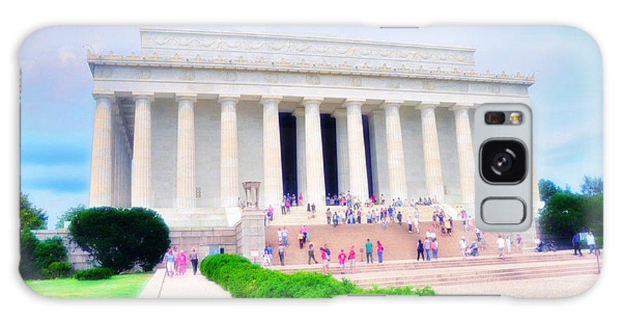 Lincoln Galaxy S8 Case featuring the photograph Outside The Lincoln Memorial by Bill Cannon