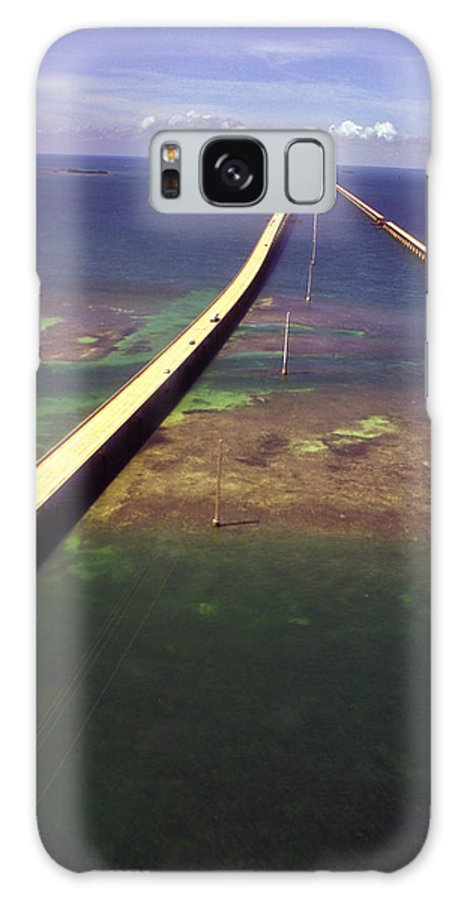 U.s. 1 Galaxy S8 Case featuring the photograph Overseas Highway by Carl Purcell