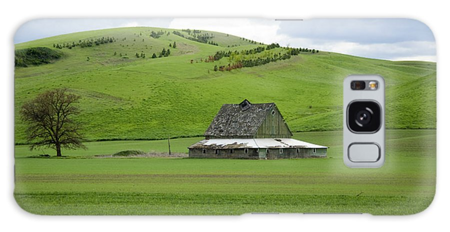 Palouse Galaxy Case featuring the photograph Palouse Old Barn by Louise Magno