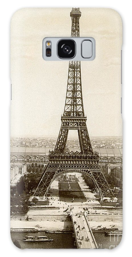 1900 Galaxy S8 Case featuring the photograph Paris: Eiffel Tower, 1900 by Granger