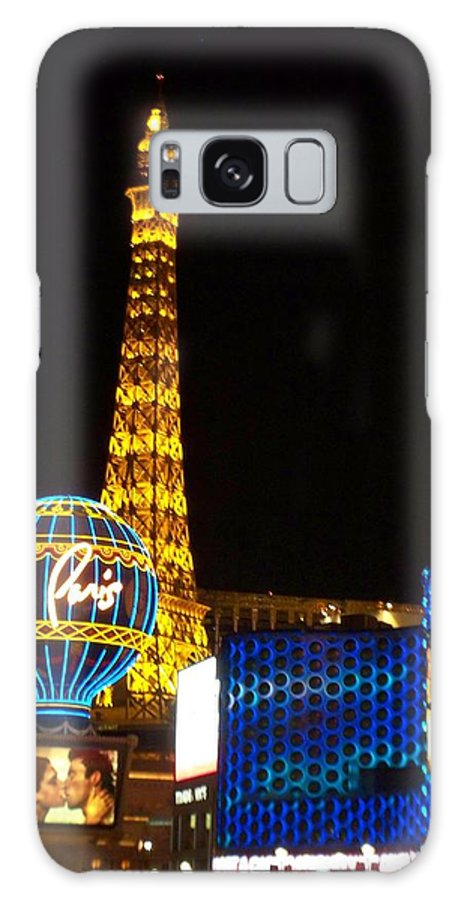 Vegas Galaxy S8 Case featuring the photograph Paris Hotel At Night by Anita Burgermeister