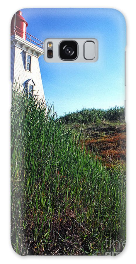 Souris Lightstation Galaxy S8 Case featuring the photograph Pei Lightstation by Thomas R Fletcher