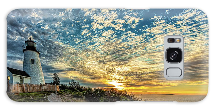 Vacationland Galaxy S8 Case featuring the photograph Pemaquid Point Lighthouse At Daybreak by David Smith