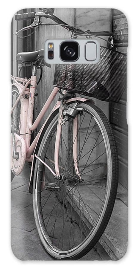 Pink Galaxy S8 Case featuring the photograph Pink Bicycle In Rome by Edward Fielding