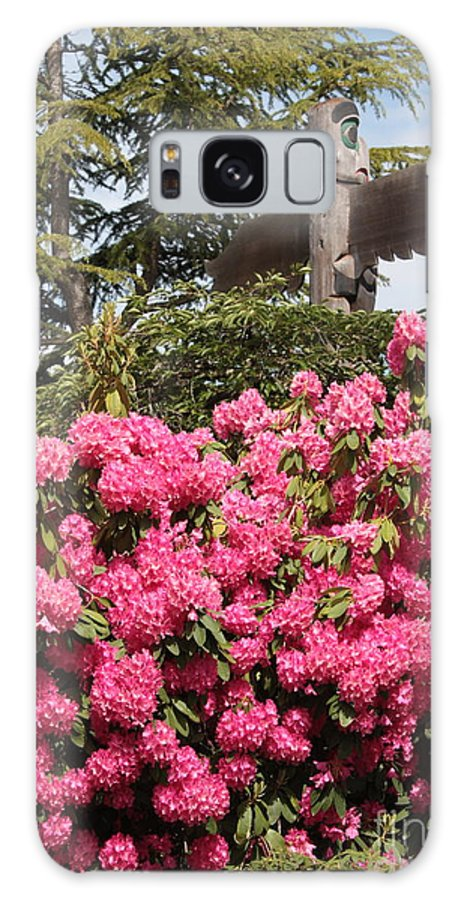 Northwest Galaxy S8 Case featuring the photograph Pink Rhododendrons With Totem Pole by Carol Groenen