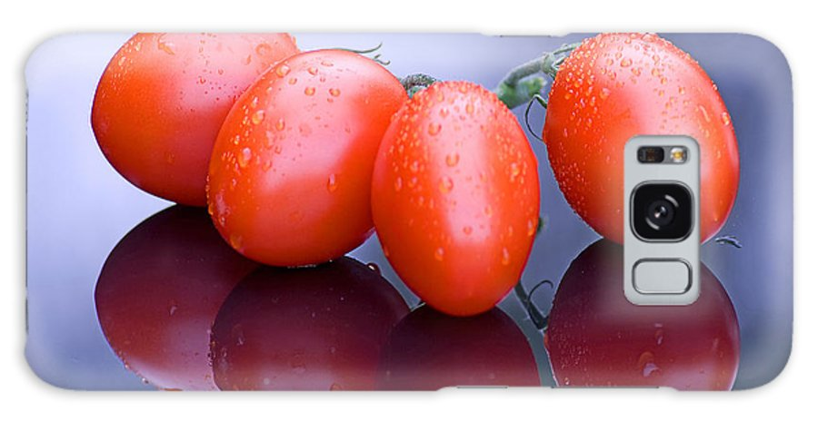 Tomatoes Galaxy S8 Case featuring the photograph Plum Tomatoes by Chris Smith