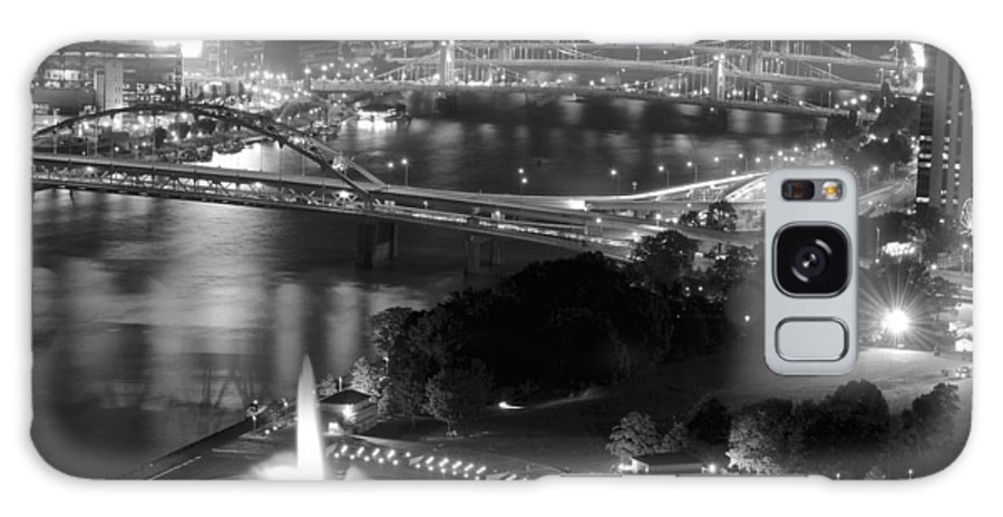 Pittsburgh Galaxy S8 Case featuring the photograph Point State Park In Black And White by Frozen in Time Fine Art Photography