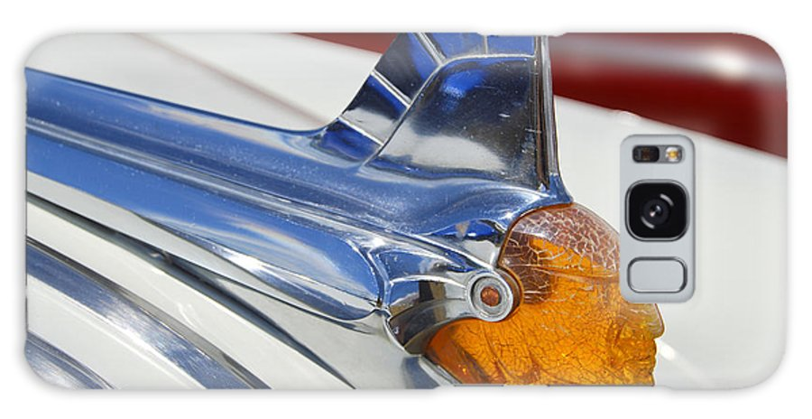 Pontiac Galaxy S8 Case featuring the photograph Pontiac Hood Ornament by Larry Keahey