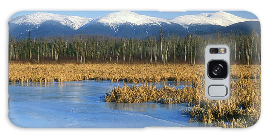 New Hampshire Galaxy S8 Case featuring the photograph Presidential Range From Pondicherry Refuge by John Burk