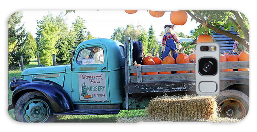 Truck Galaxy S8 Case featuring the photograph Pumpkin Truck by Steve Gass