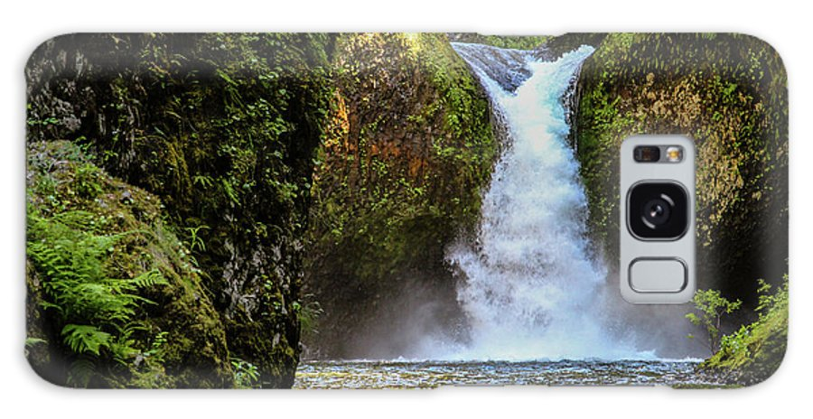 Waterfall Galaxy S8 Case featuring the photograph Punch Bowl Falls, Oregon by Aashish Vaidya