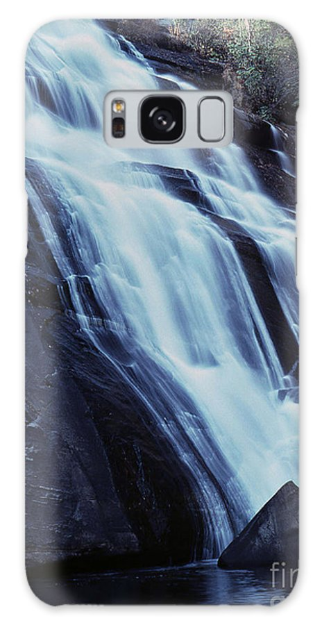 Waterfall Galaxy S8 Case featuring the photograph Rainbow Falls by Richard Rizzo