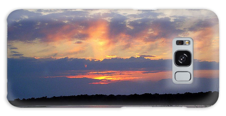 Sunset Galaxy S8 Case featuring the photograph Rays Of Glory by CapeScapes Fine Art Photography