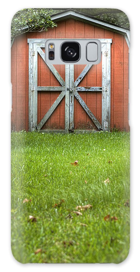 Barn Door Red Lock Green White Cross Dustin Ryan Charleston South Carolina Colorful British Flag Galaxy S8 Case featuring the photograph Red Barn by Dustin K Ryan