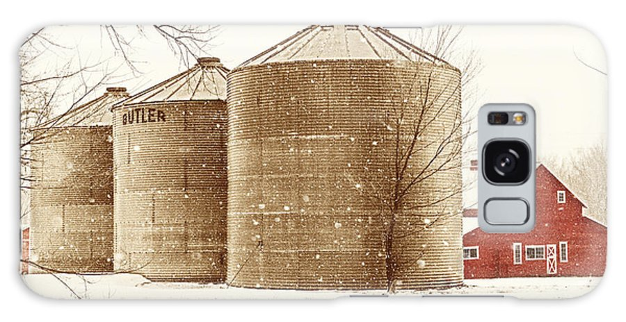 Americana Galaxy Case featuring the photograph Red Barn In Snow by Marilyn Hunt