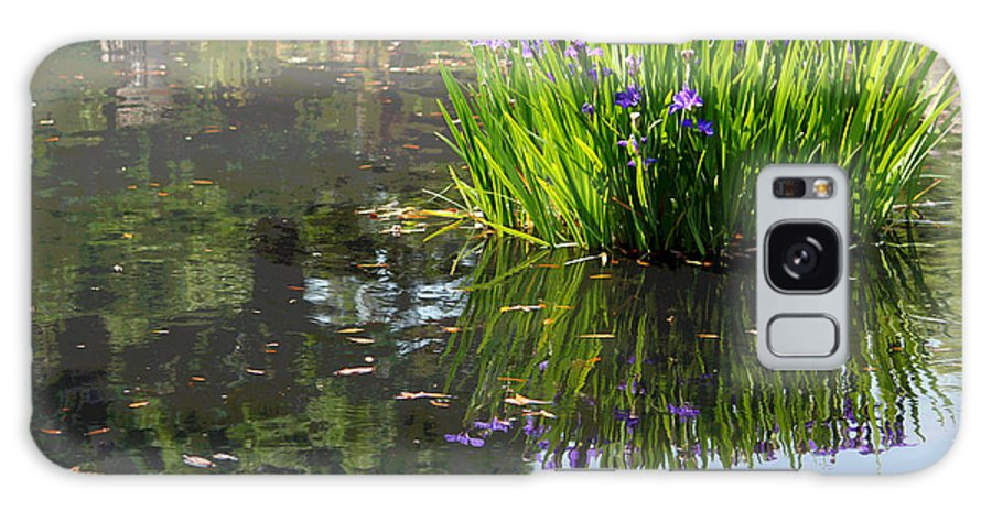 Iris Galaxy S8 Case featuring the photograph Reflecting Pond by Suzanne Gaff