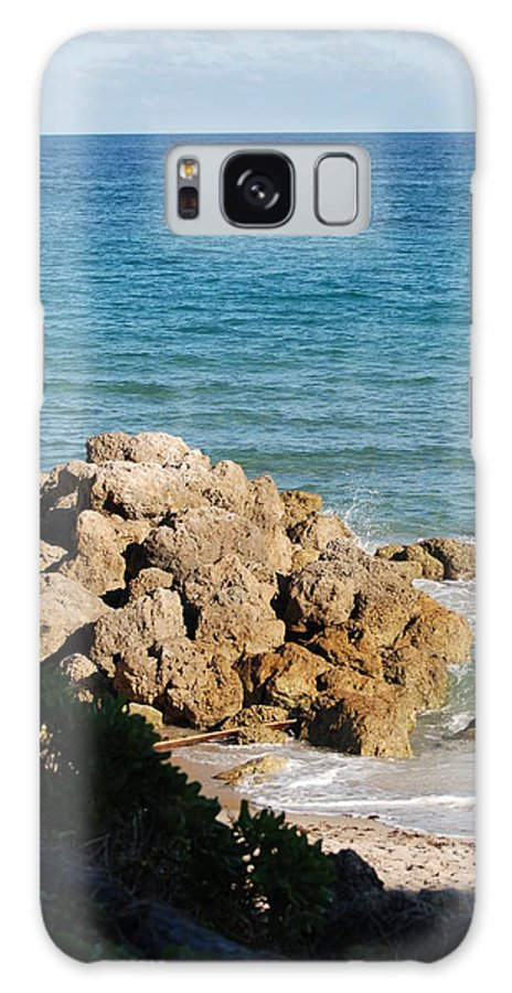 Sea Scape Galaxy S8 Case featuring the photograph Rocky Shoreline by Rob Hans