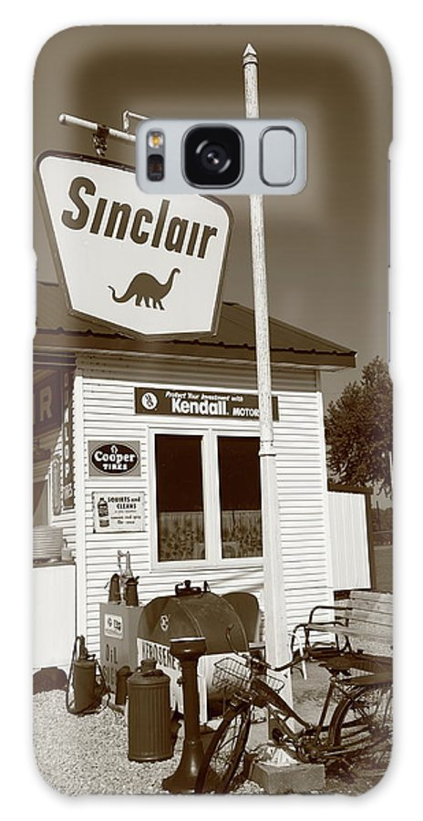66 Galaxy S8 Case featuring the photograph Route 66 - Paris Springs Missouri by Frank Romeo