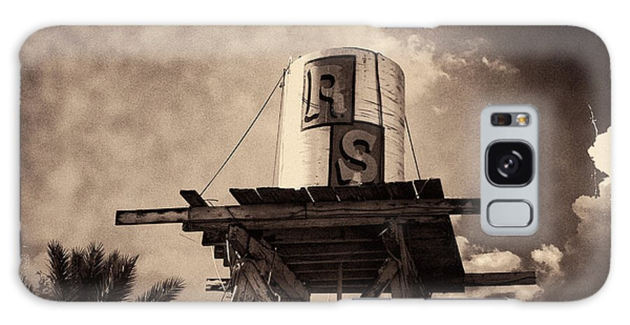 Iphoneography Galaxy S8 Case featuring the photograph Rs Water Tower Sepia by Matt Suess