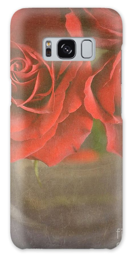 Roses Galaxy Case featuring the photograph Scarlet Roses by Lyn Randle