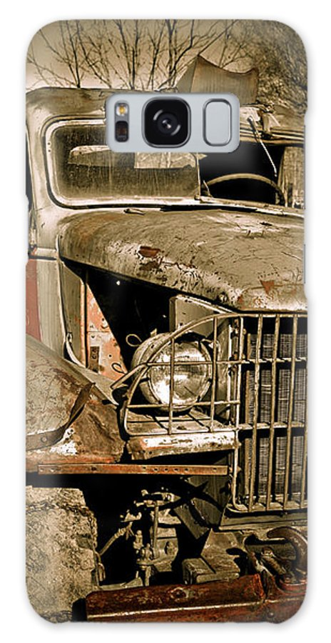 Old Vintage Antique Truck Worn Western Galaxy S8 Case featuring the photograph Seen Better Days by Marilyn Hunt