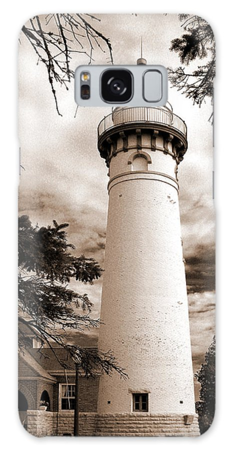 Lighthouse Galaxy S8 Case featuring the photograph Seul Choix Point Lghthouse Mi by Rich Stedman