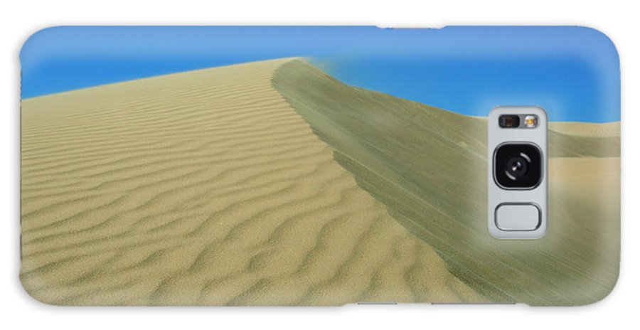 Sand Dune Galaxy S8 Case featuring the photograph Shifting Dune by Lara Ellis
