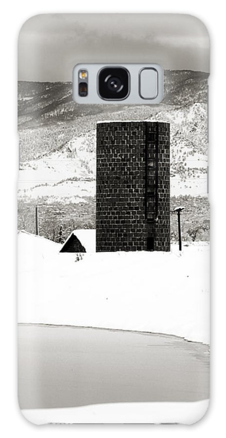 Colorado Galaxy S8 Case featuring the photograph Silo And Silence by Marilyn Hunt