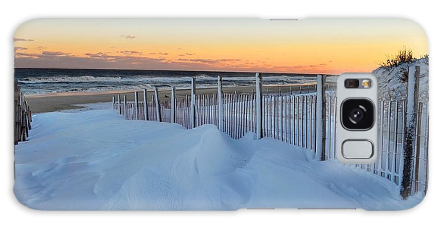 Seaside Park Galaxy S8 Case featuring the photograph Snowfall At The Shore by Bob Cuthbert