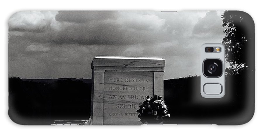 #tomb #arlington #cemetary #rememberance #solomn #outdoors #nature #landscape #soldiers Galaxy S8 Case featuring the photograph Solitude by Kristy Wade