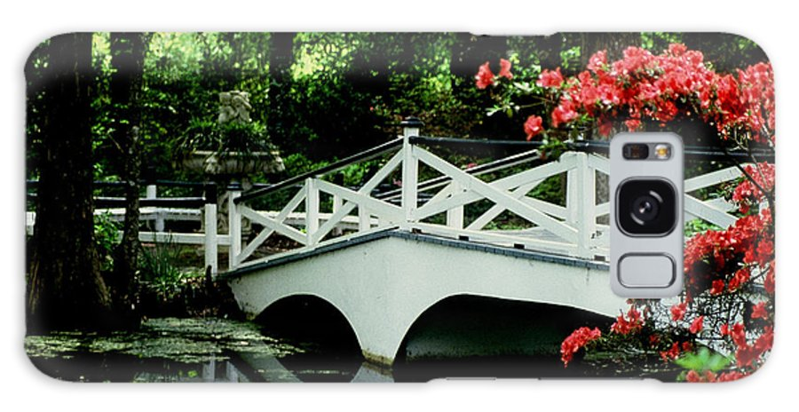 White Bridge Galaxy S8 Case featuring the photograph Southern Splendor by Gary Wonning