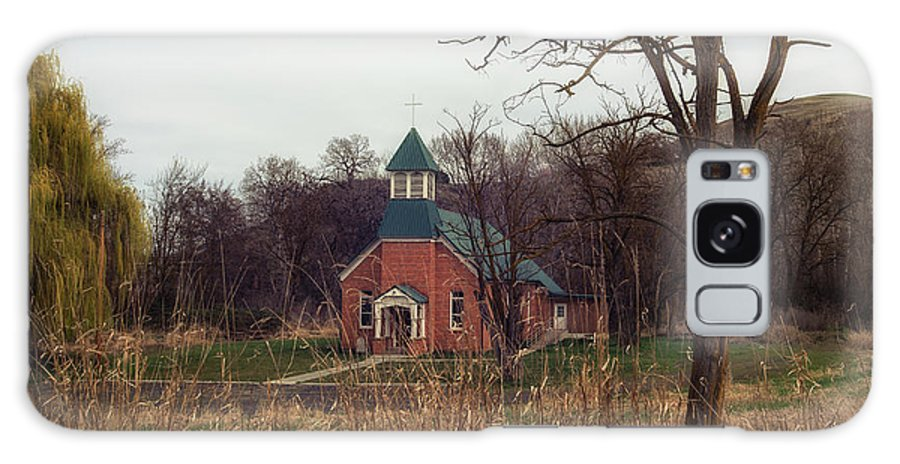 Galaxy S8 Case featuring the photograph Spaulding Church by Marcia Darby