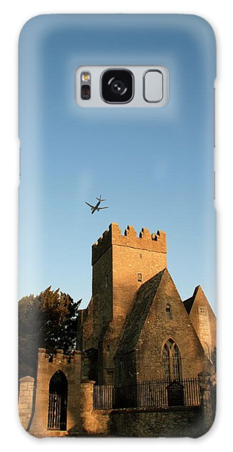 St Doulagh\'s Church Galaxy S8 Case featuring the photograph St Doulaghs Church by Martina Fagan