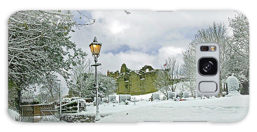 England Galaxy S8 Case featuring the photograph St Mary's Churchyard - Tutbury by Rod Johnson