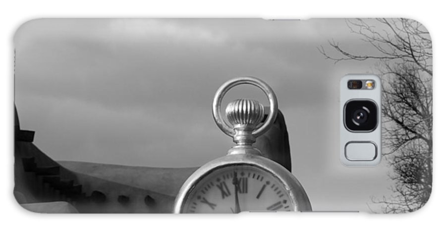 Black And White Galaxy S8 Case featuring the photograph Standard Time by Rob Hans