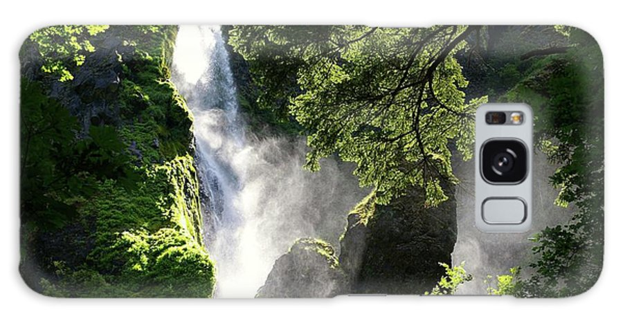 Waterfalls Galaxy S8 Case featuring the photograph Starvation Creek Falls In September by Jeff Swan