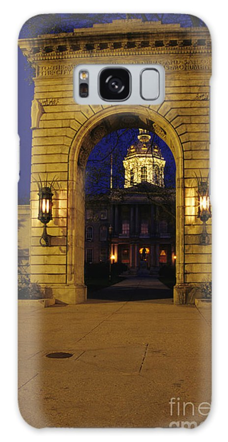 City Galaxy S8 Case featuring the photograph State Capitol Building - Concord New Hampshire Usa by Erin Paul Donovan
