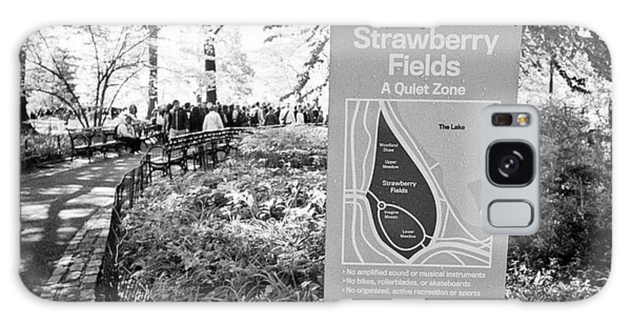 Strawberry Galaxy S8 Case featuring the photograph strawberry fields central park New York City USA by Joe Fox