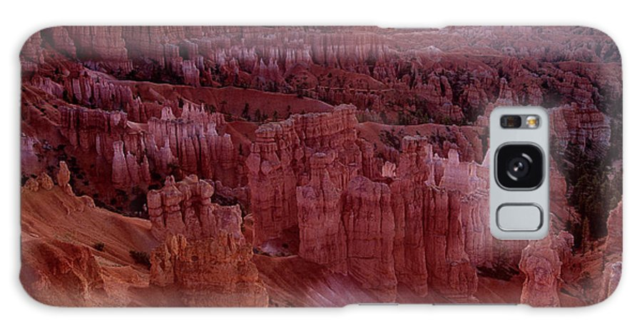 North America Galaxy S8 Case featuring the photograph Sunrise Over The Hoodoos Bryce Canyon National Park by Dave Welling