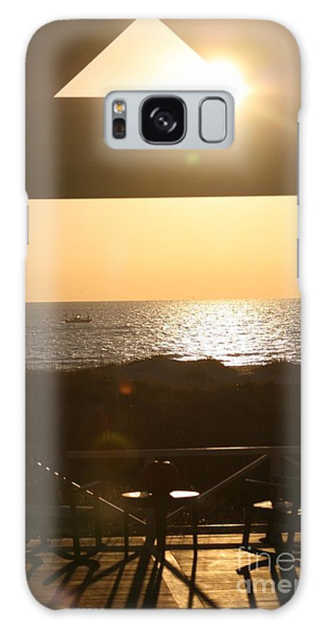 Sunrise Galaxy S8 Case featuring the photograph Sunrise Through The Pavilion by Nadine Rippelmeyer