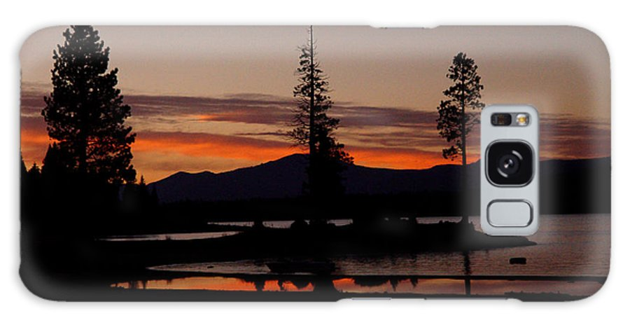 Lake Almanor Galaxy S8 Case featuring the photograph Sunset At Lake Almanor 02 by Peter Piatt