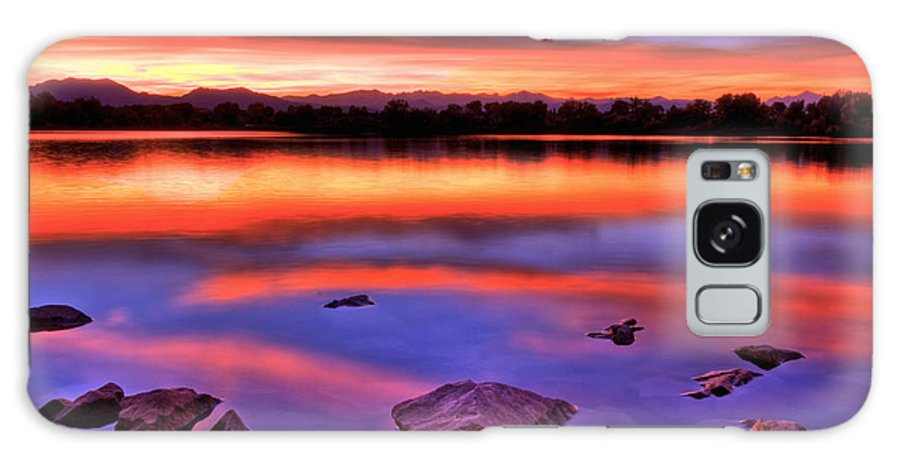 Colorado Galaxy S8 Case featuring the photograph Sunset Lake by Scott Mahon