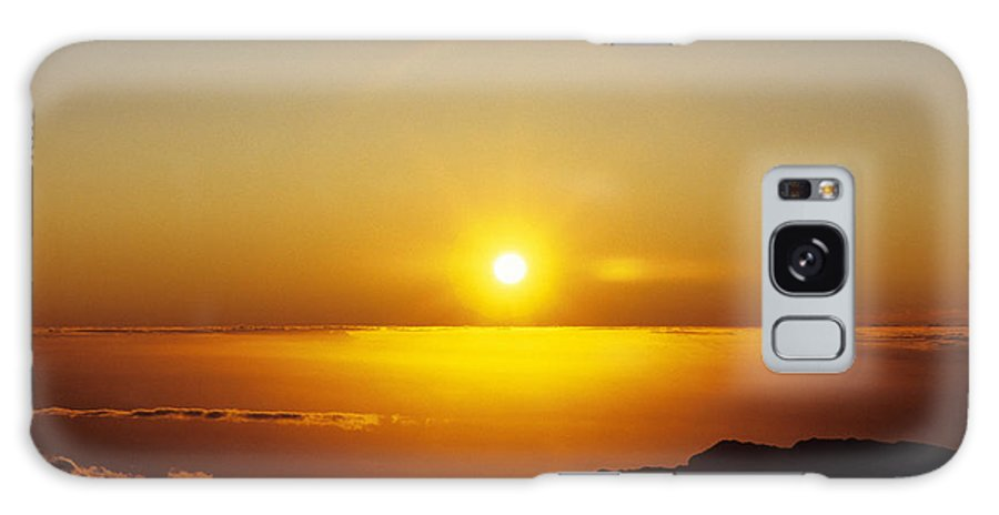 Above Galaxy S8 Case featuring the photograph Sunset On The Horizon by Carl Shaneff - Printscapes
