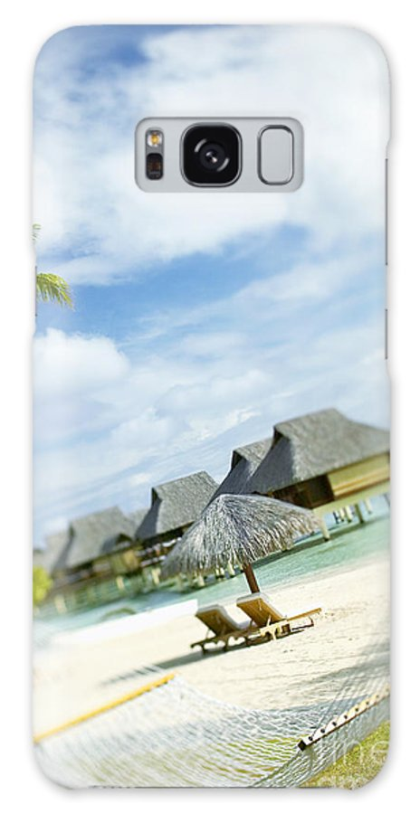 10-pfs0158 Galaxy S8 Case featuring the photograph Tahiti, Bora Bora by Kyle Rothenborg - Printscapes