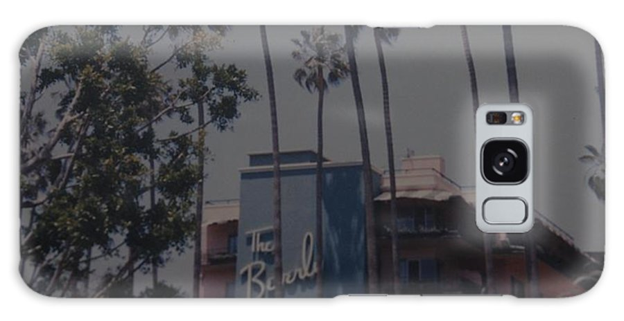 Beverly Hills Galaxy S8 Case featuring the photograph The Beverly Hills Hotel by Rob Hans