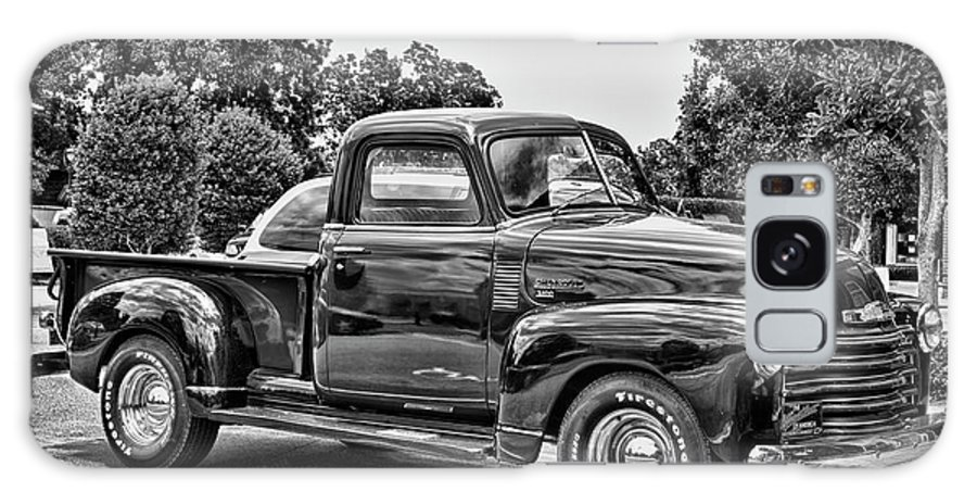 Hdr Galaxy S8 Case featuring the photograph The Heart Beat Since 1950 In Hdr Black And White by Frank Feliciano